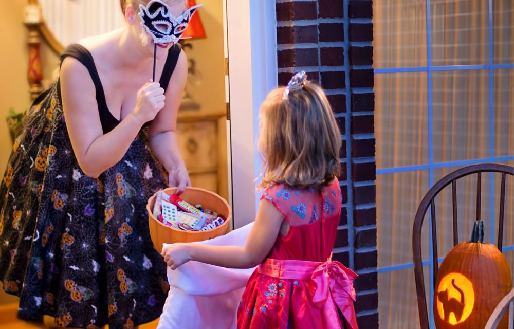Fun And Unique Family Matching Costume Ideas (For The Best Halloween Ever!)