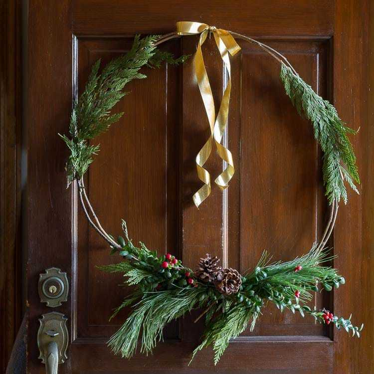 Natural Christmas Wreath-min