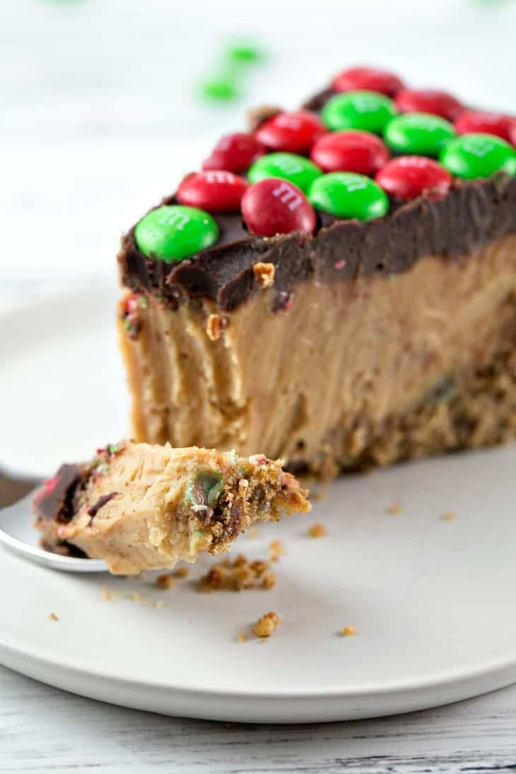 No bake Christmas Treats - M&MPretzel Peanut Butter Pie - Awesome Alice