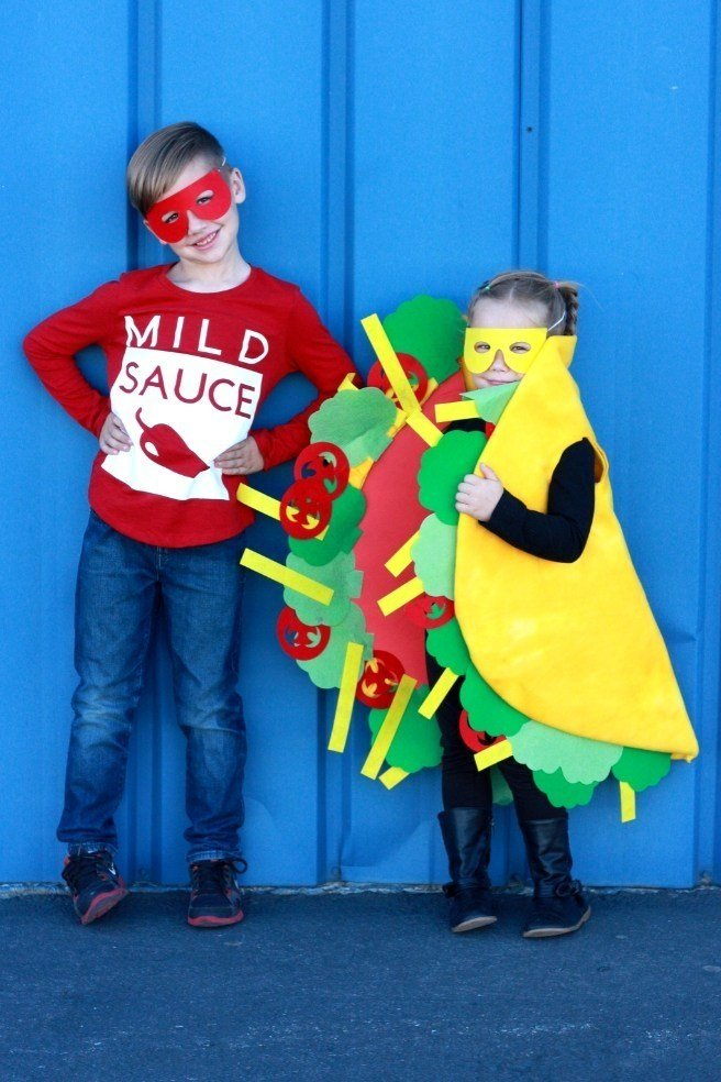 DIY Halloween Costumes for Kids - Taco and hot sauce