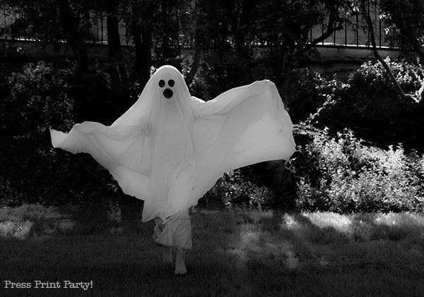 DIY Halloween Costumes for kids - Ghost