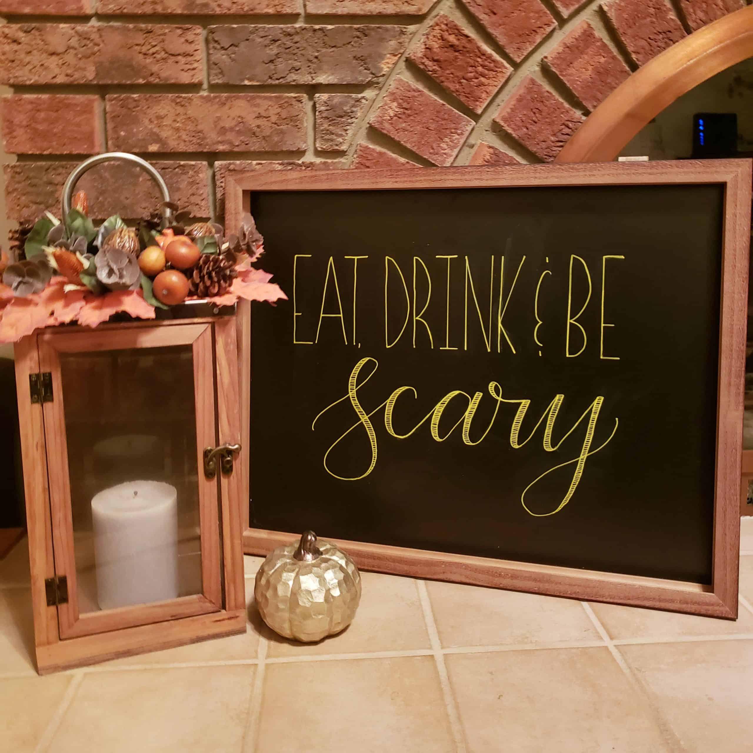 DIY Chalboard Sign Halloween